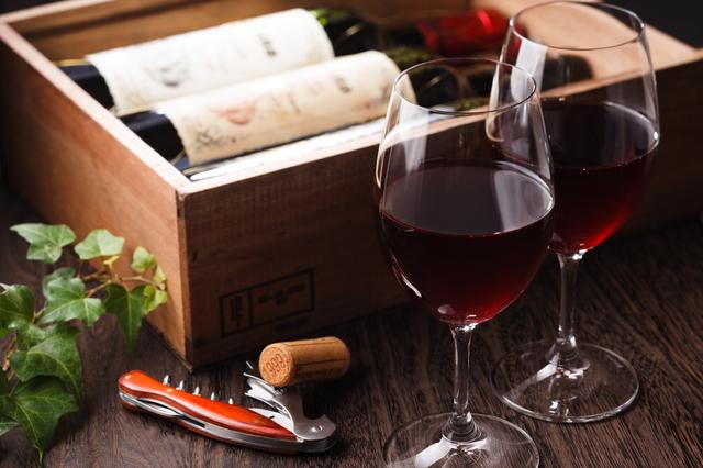 平成29年度税制改正でワインは増税へ!「ワインブーム」に沸く香港、酒税撤廃後の今【コラム】