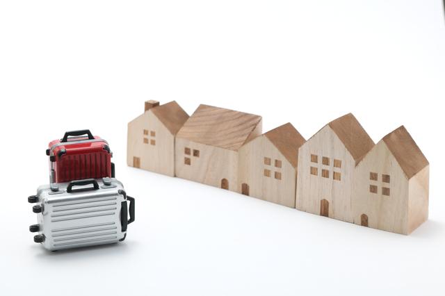「民泊」にも宿泊税導入へ…その仕組みと問題点は?【コラム】