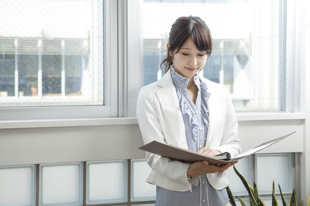働き方重視!事業会社から事務所へのキャリアチェンジに成功した20代・女性の成功事例!